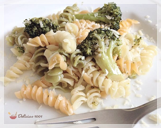 macarrão com brócolis